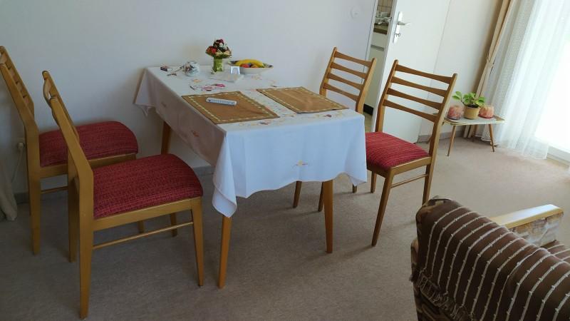kleiner Esstisch für 4 Personen ink. 4 Stühle