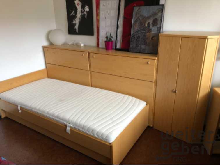 8 teiliges Jugendzimmer mit Bett und modernen Schränken