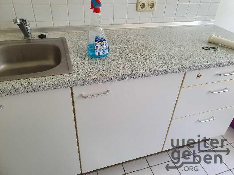 2 Küchenzeilen mit Kühlschrank in Erding