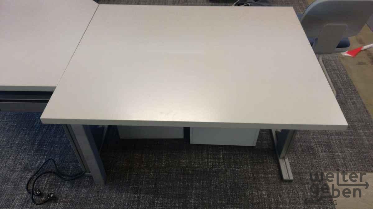 Büroinseln - Schreibtische in Hof