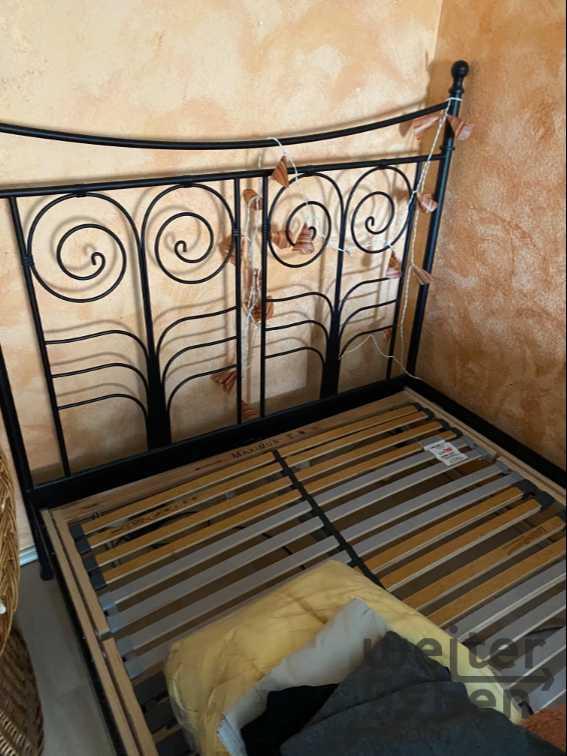Bett in Hattersheim