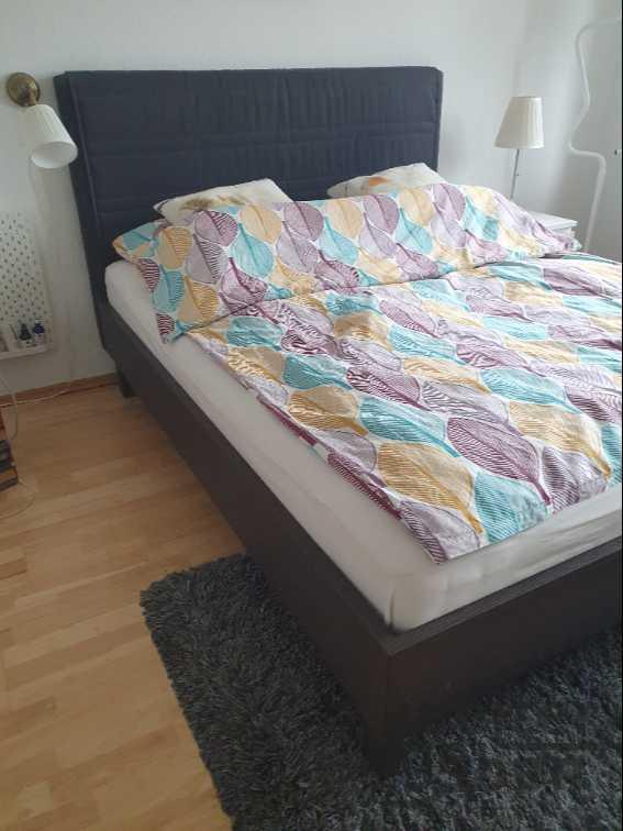 Bett mit Lattenrost  in Berlin