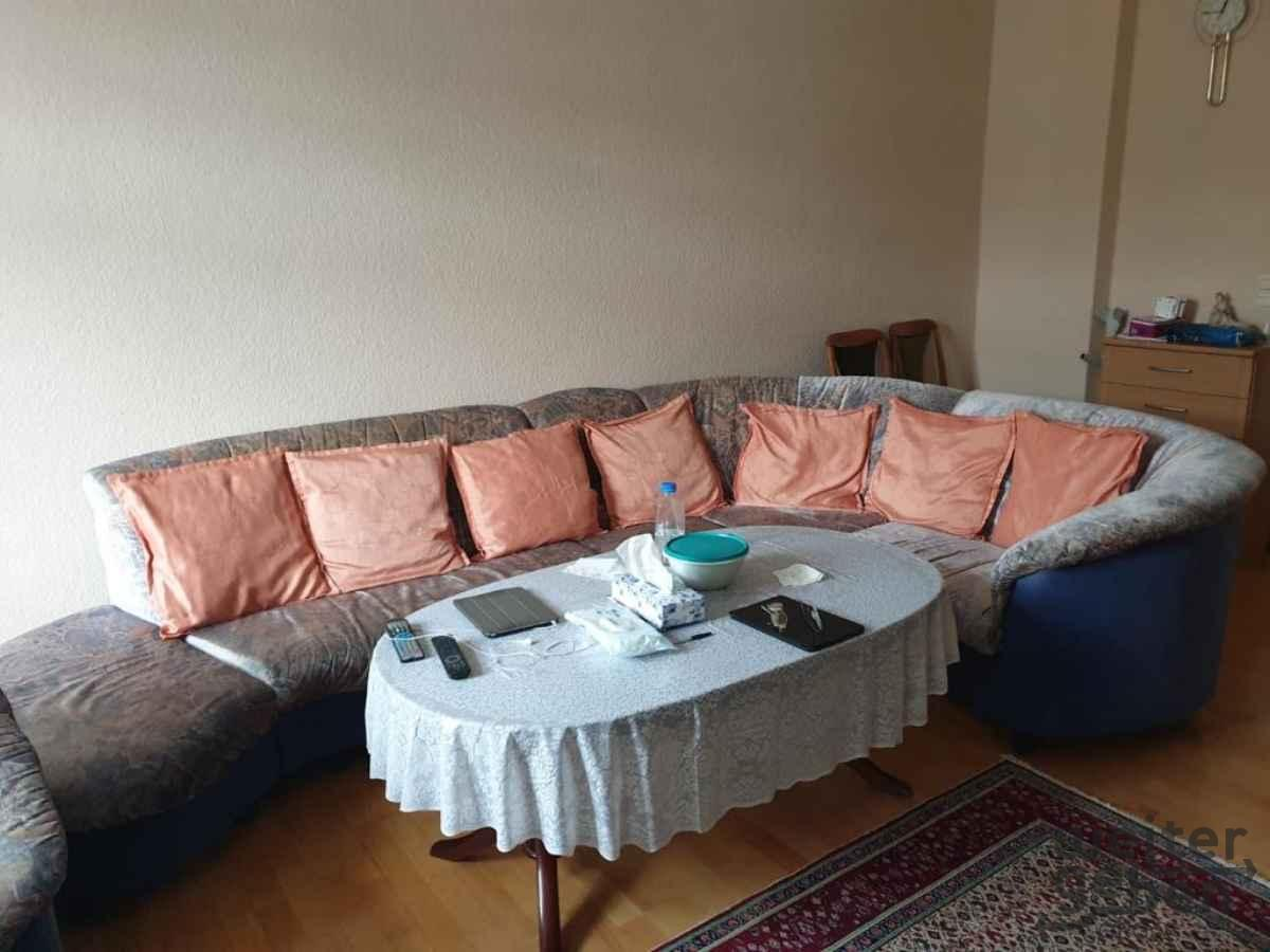 Couch inkl. Sessel und Hocker in Berlin