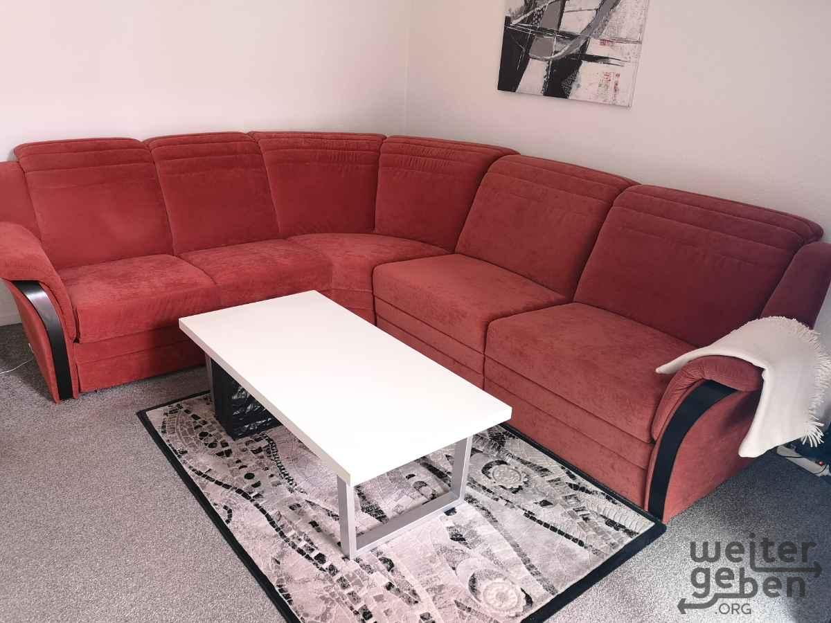 rote Couch in Berlin