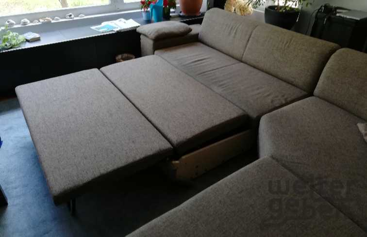 Eck-Couch mit Bettfunktion in Berlin