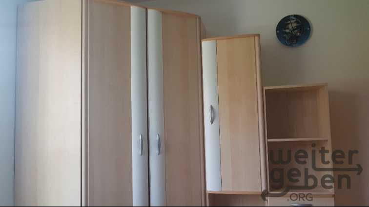 moderner Kleiderschrank / Eckschrank in Werfen