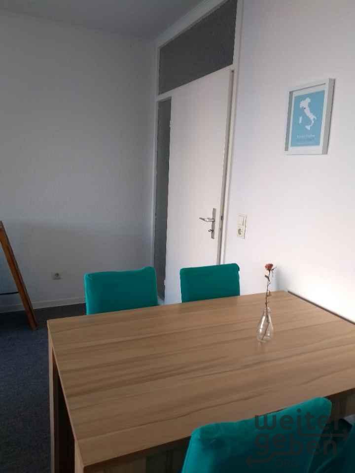 Esstisch und / oder 4 Stühle in Muehlheim am main