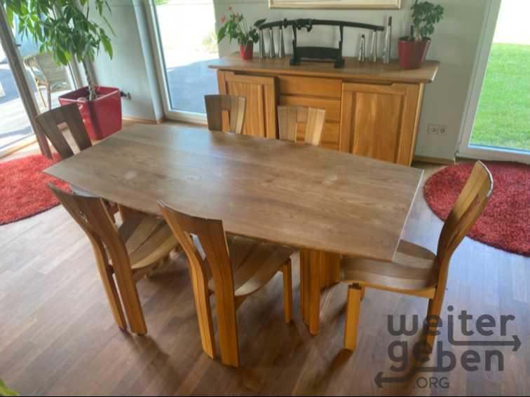 Esstisch mit 6 Stühlen in Friedrichsdorf