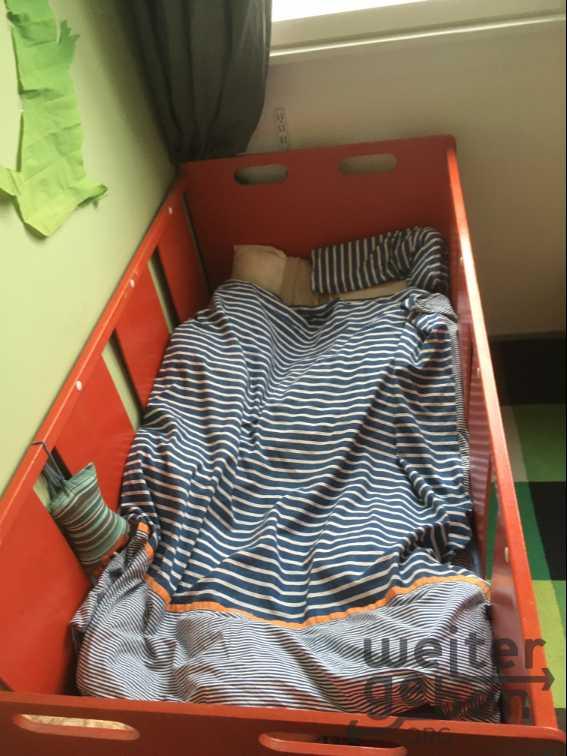 Kinderbett Gitterbett in Berlin