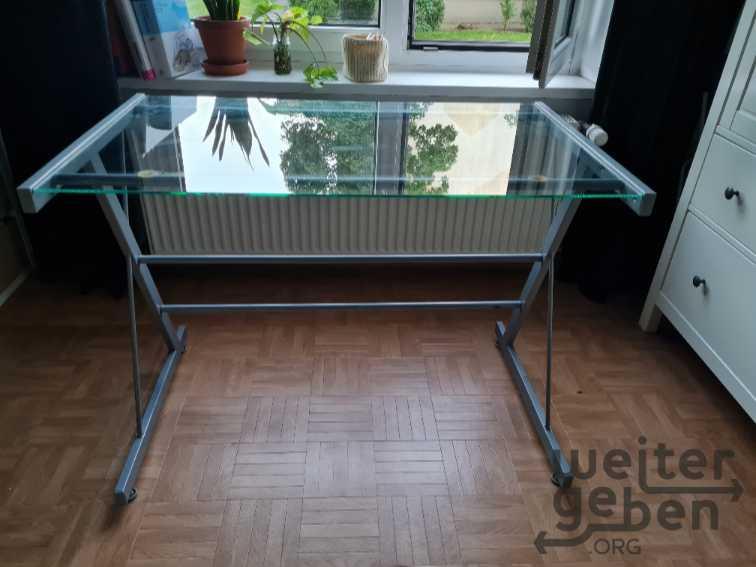 Glas-Schreibtisch in Berlin