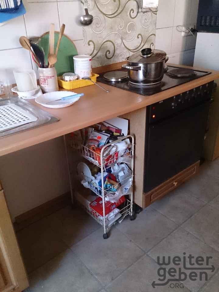 Küchenzeile mit Herd Spüle in Rietberg