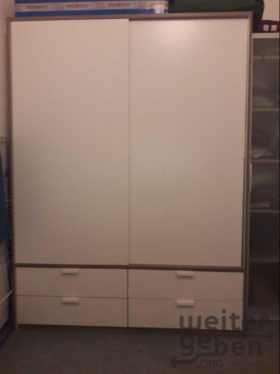 Kleiderkasten in Wien