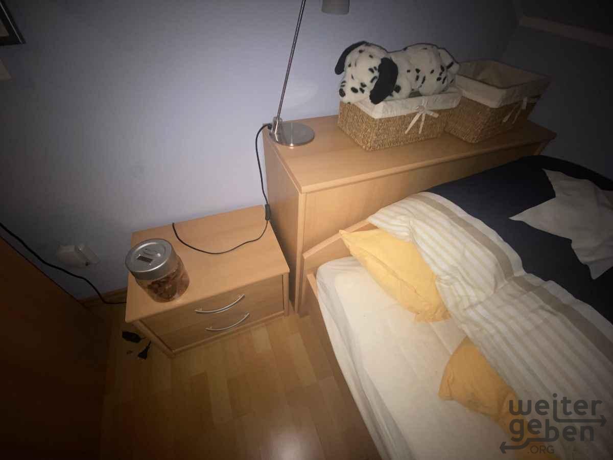 Nachttisch und Bettkasten in Berlin