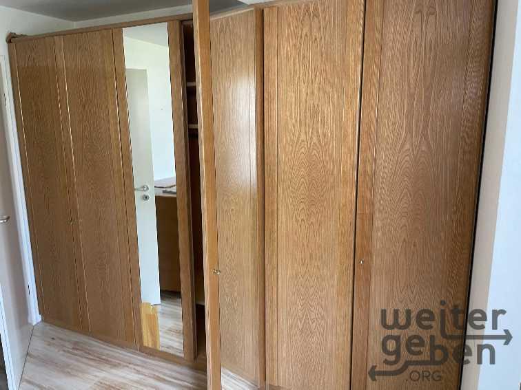 Schlafzimmerschrank in Eggenstein-Leopoldshafen