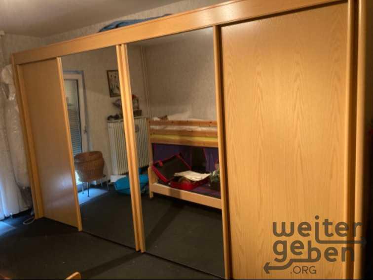 Schlafzimmerschrank  in Karben