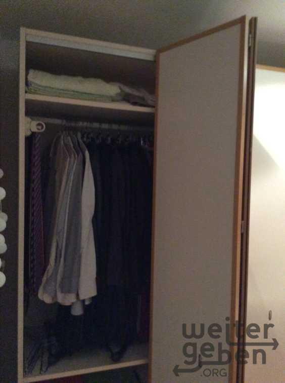 Kleiderschrank in München