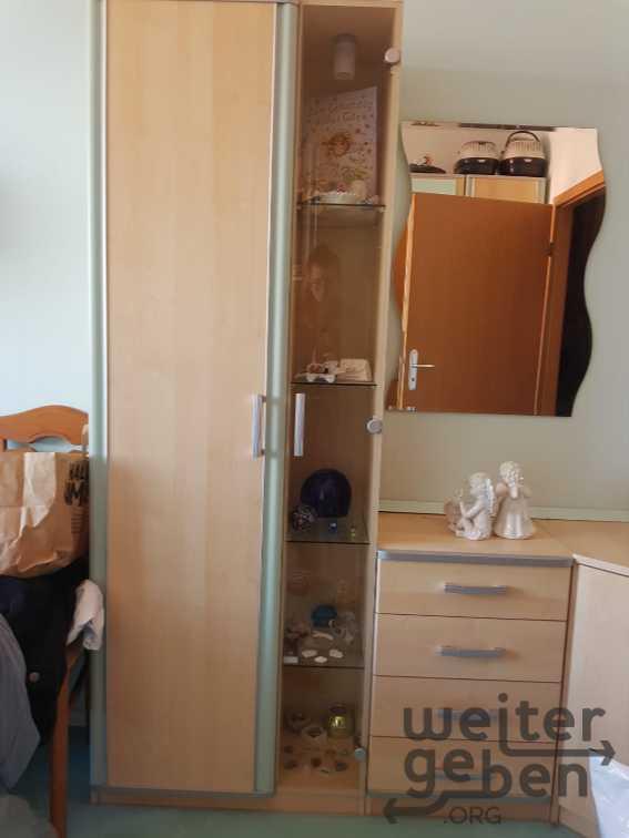 Schrank mit Schubfächern in Berlin