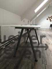 Schreibtiche mit Metallgestell in Berlin