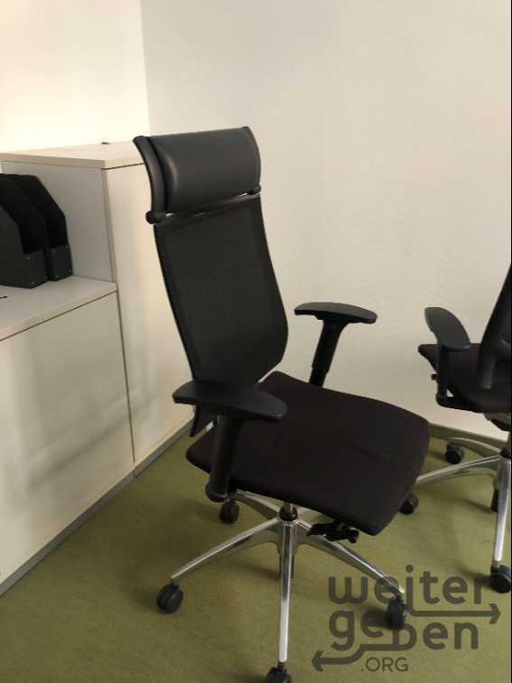 Schreibtisch, Rollcontainer, Stühle in Frankfurt am Main