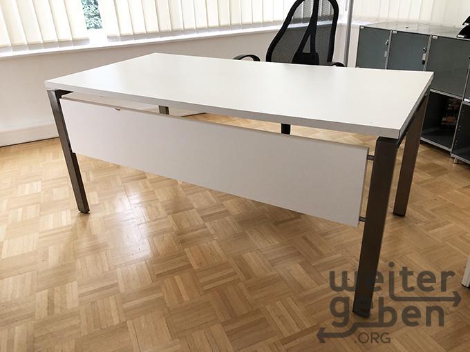 Schreibtisch in Wiesbaden