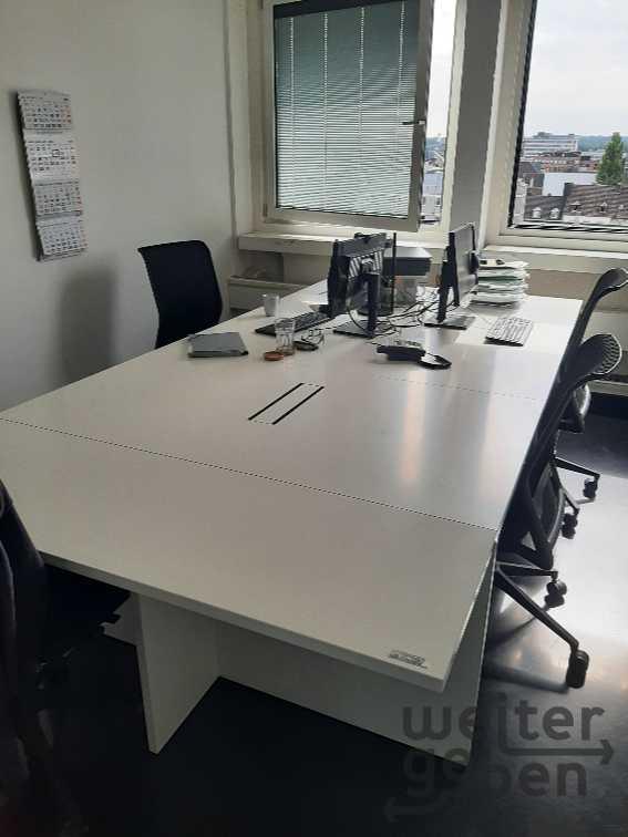 Schreibtisch in Aachen