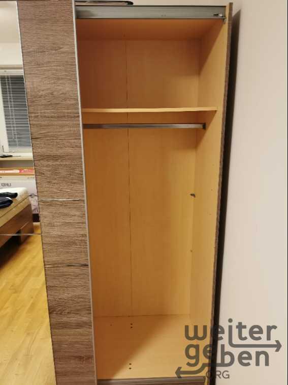 Schwebetürenschrank in München