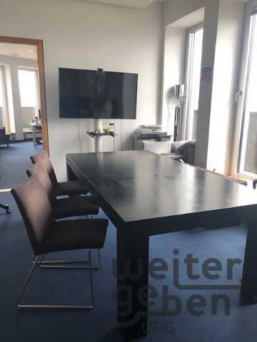 3xFreischwinger + Tisch + Sitzgruppe in 10117
