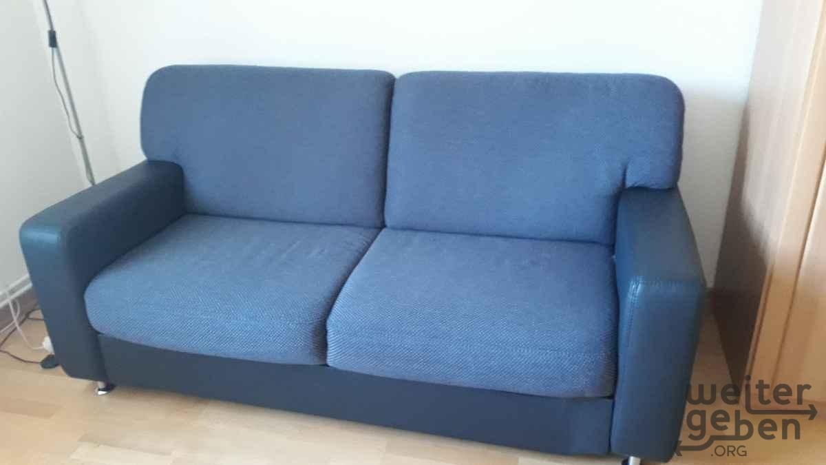 blaues Sofa in Berlin