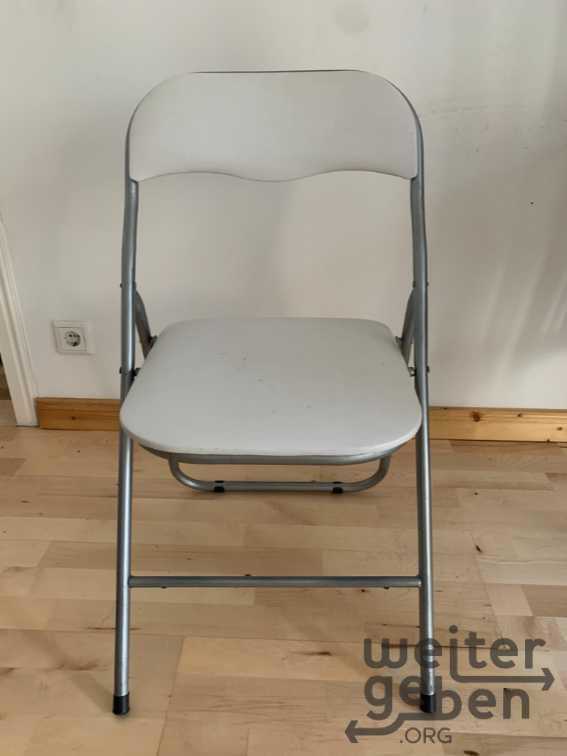 verschiedene Stühle in Berlin
