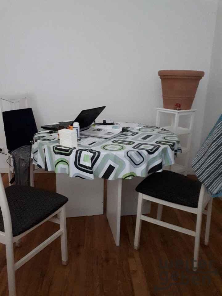 Stühle und Tisch in Berlin