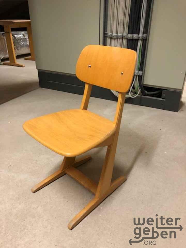 Holzstühle / Schulstühle in Attendorn
