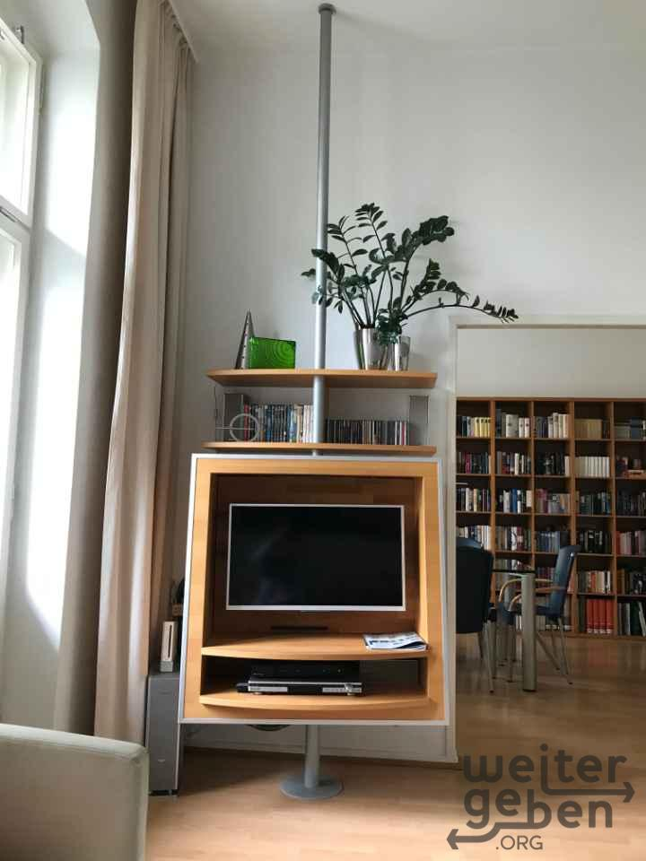 TV/Audio Regal in Berlin
