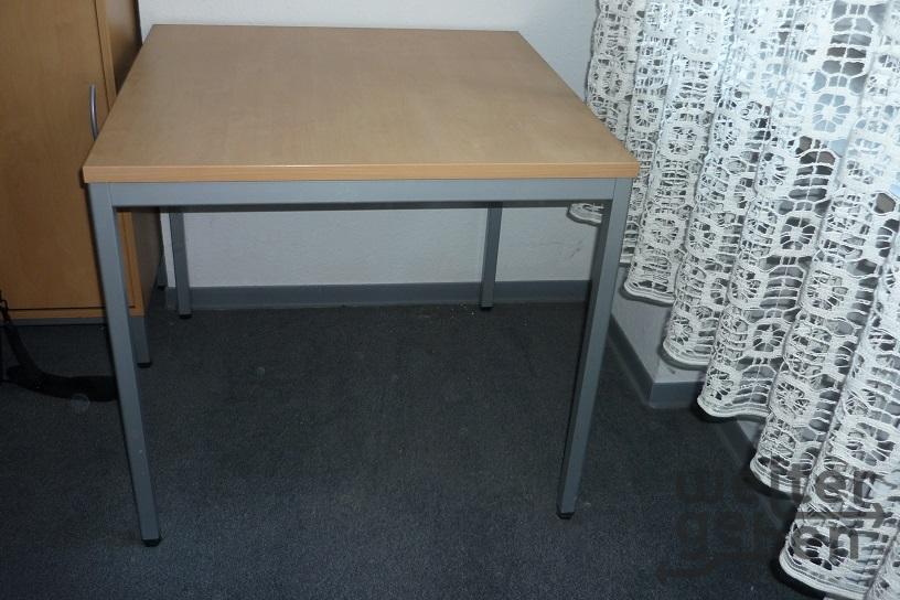 Tisch in Stuttgart