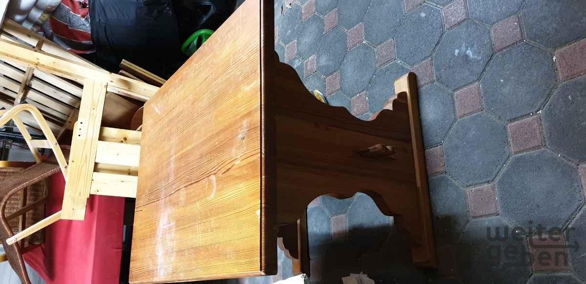 Tisch in Leichlingen