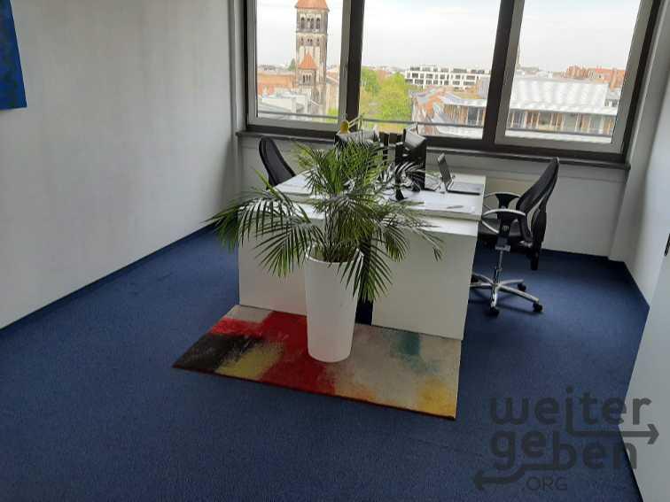 Schreibtische inkl. Rollcontainer und Stühle in Berlin