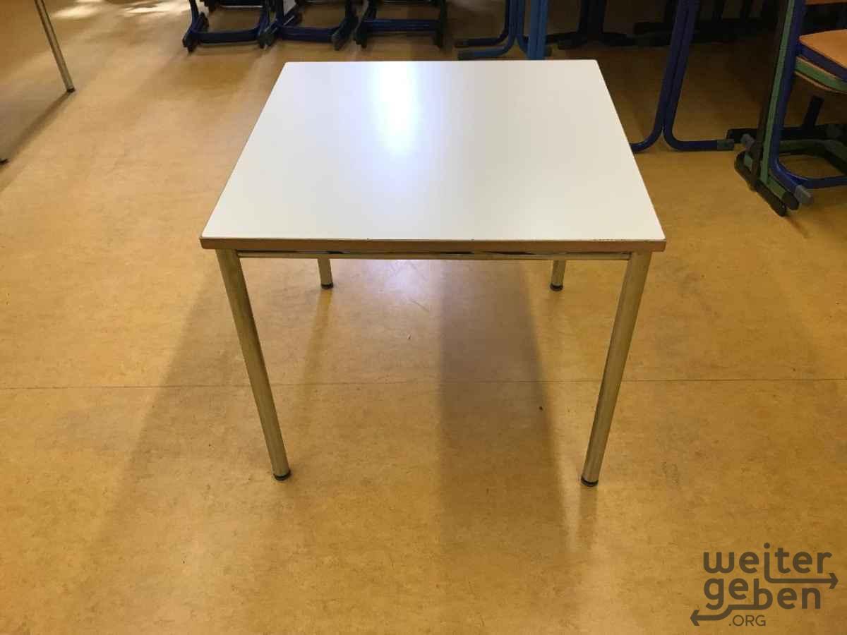 quadratische Tische in Augsburg