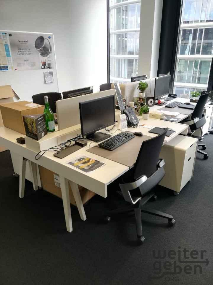 Spende: Vitra Joyn Büromöbel in Düsseldorf