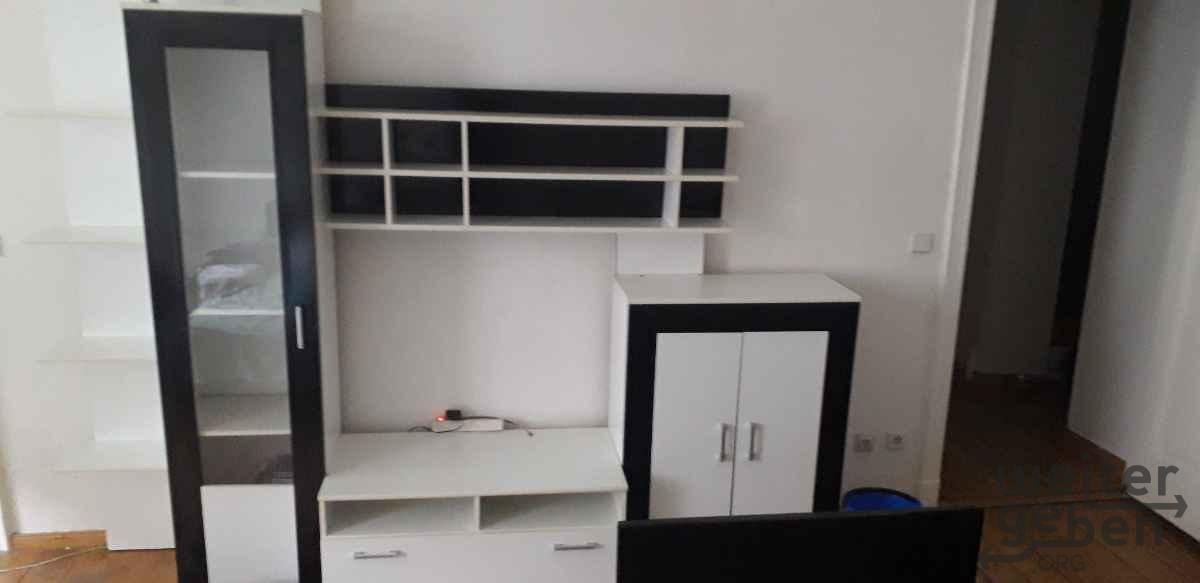 moderner Wohnzimmerschrank in Berlin