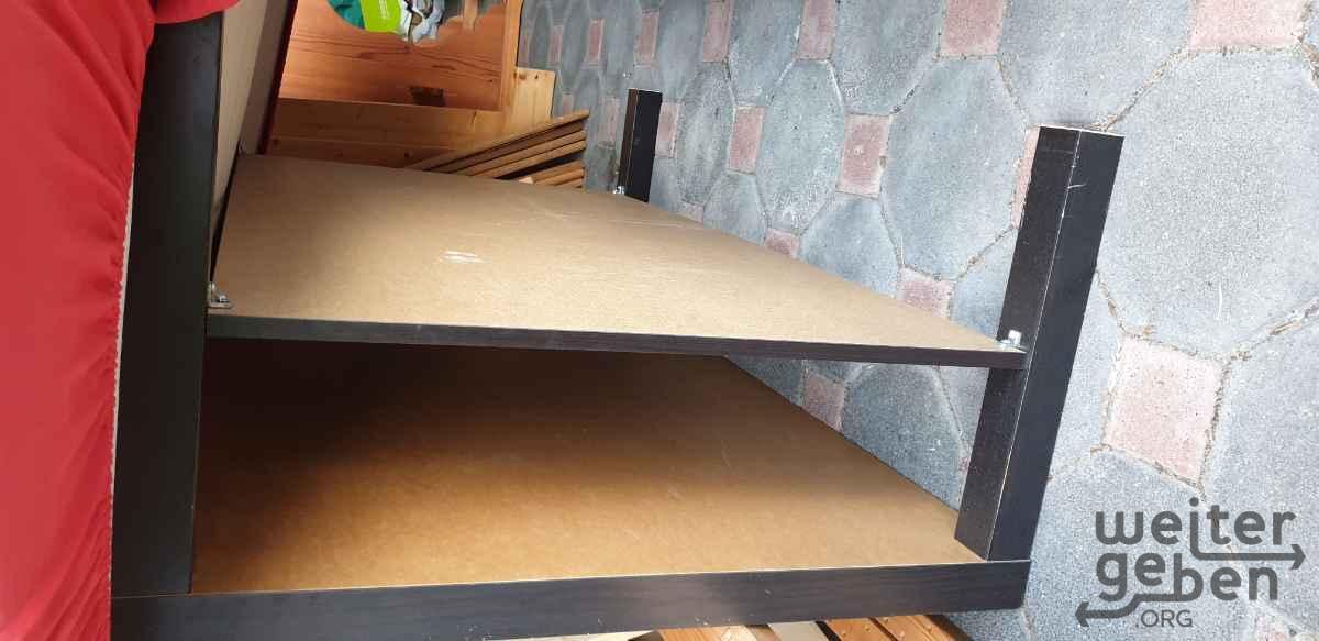 großer flacher Holztisch in Leichlingen